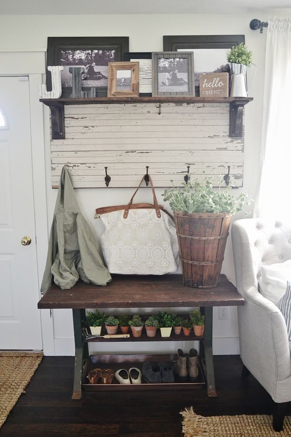 17 Best Ideas About Small Entryway Tables On Pinterest
