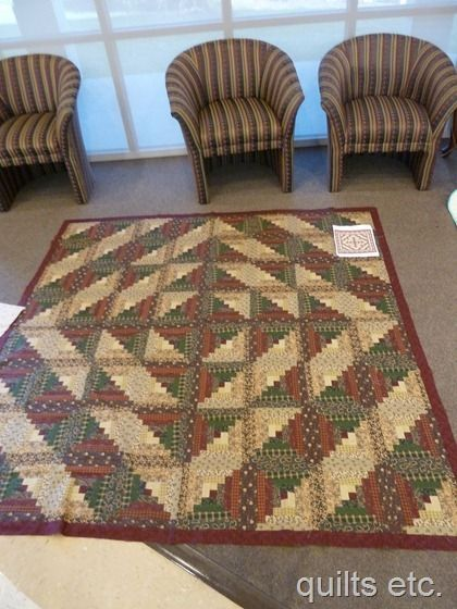 Love log cabin quilts Love the placement of the bl…