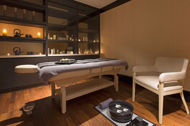 After spending long hours in Jakarta, Keraton Spa will end your day with a complete   relaxation. Check out at Luxly Spa Deals.