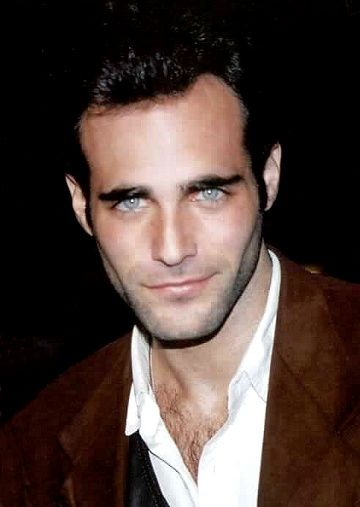 Actor Brian Bloom.  I remember watching him in the 80s.  Man those eyes......beautiful.