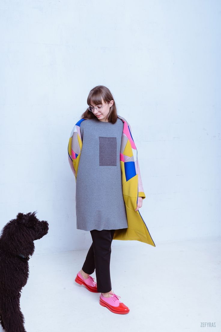 October in Details Coat & Zefyras Basic Tunic #fashion #zefyras #zefyrasfashion #minimalist #coat #tunic #t-shirt #colours #collection #details
