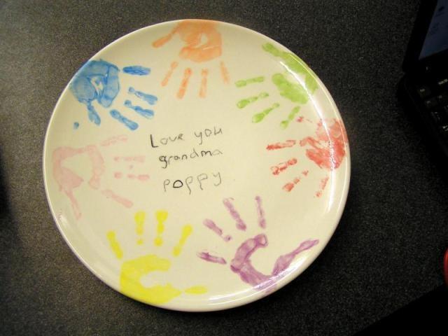 Handprint pottery bing images do something creative for Handprint ceramic plate ideas