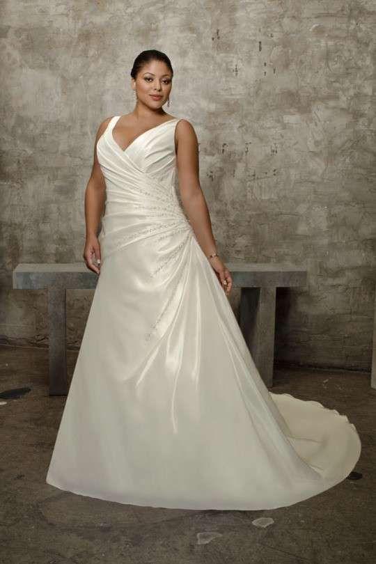 Abiti da sposa 2013 per donne formose