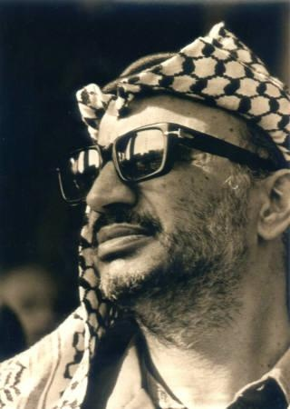 ZURICH (Reuters) - Traces of the poisonous element polonium have been found in the belongings of late Palestinian President Yasser Arafat, a Swiss institute said on Wednesday, and a television report said his widow had demanded his body be exhumed for further tests. •••••• Arafat died at a hospital in France in 2004, after a sudden illness which baffled doctors. Many Palestinians have long suspected he was poisoned..•••••…