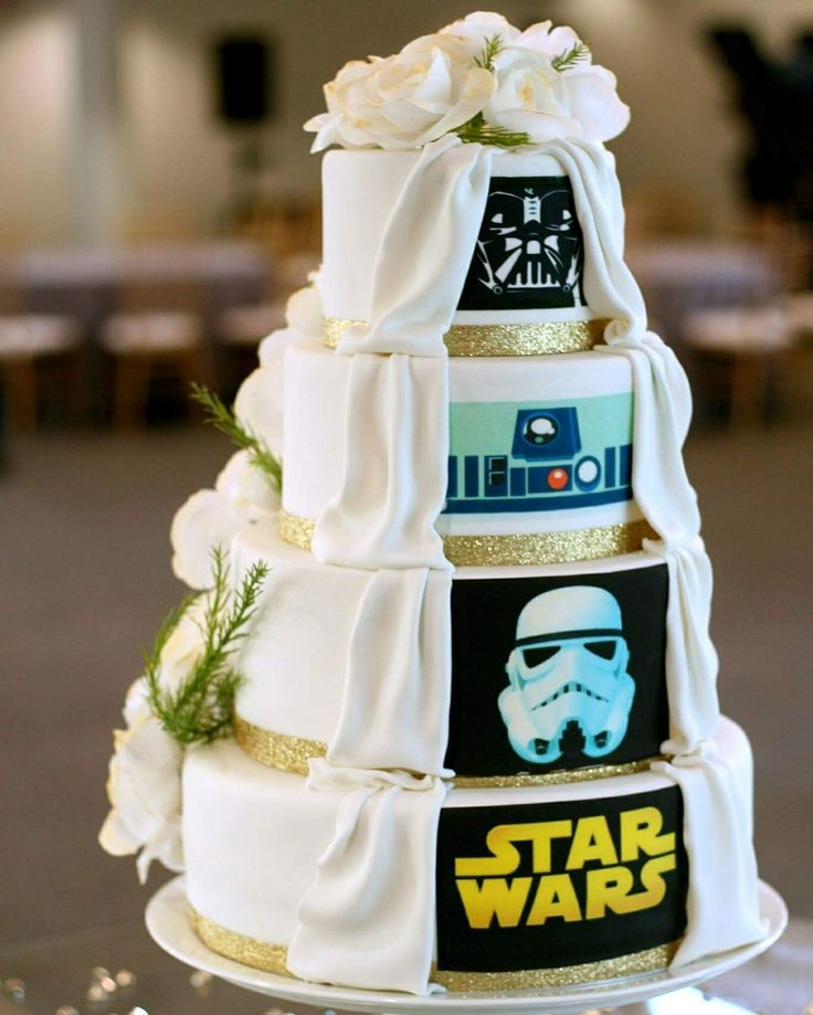 Star wars wedding cake by Sucre Seattle  Www.sucreseattle.com