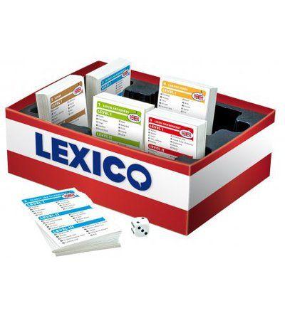 15,90 EUR | Lexico sisältää yhteensä 9000 yleisesti käytettyä sanaa jaettuna viiteen aihealueeseen: Ihminen, Elinympäristö, Luonto ja harrastukset, Tiede ja tekniikka sekä Yleissanat. Kolmen eri vaikeustason ansiosta peli sopii kaikenikäisille ja eritasoiset kielen osaajat voivat pelata yhdessä - kukin valitsemallaan vaikeustasolla. Lexicon seurassa viihdyt ja opit vierasta kieltä!<BR>Saatavilla viisi eri kieliversiota: Suomi-Englanti, Suomi-Ruotsi, Suomi-Ranska, Suomi-Saksa ja ...