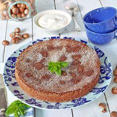 Lättbakad och urgod hasselnötskaka med päron och mörk choklad