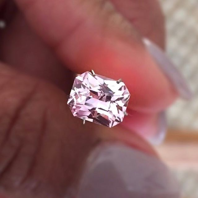 Throwback back to this incredible radiant cut pastel pink sapphire, natural, free of treatments. Weighed 1.76 carat. Cut to perfection by my skilled cutter back in Sri Lanka achieving an impeccable brilliance yet enhancing the colour. Perfect gemstone for a spectacular non diamond engagement ring.  💝#deliqagems #onlythebest #pinksapphire #pinkdiamond #pinkonpink #pink #love #gems #gemstones