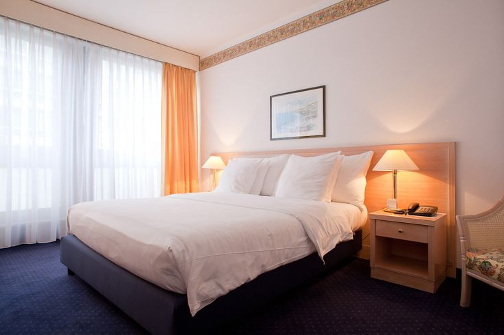 Hotel Drake Longchamp in Geneva. Complimentary breakfast and wireless.