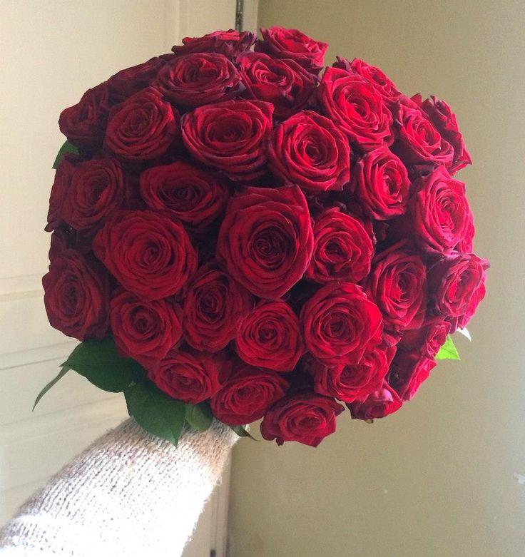 Red roses bouquet by ROSMARINO / Červené růže