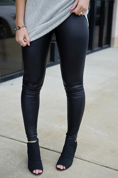 leather look leggings for fall and winter. can i actually just live in these please?!