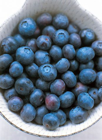 """A groundbreaking study published in the Journal of Nutrition in 2010 found a daily dose of the bioactive ingredients from blueberries increases sensitivity to insulin and may reduce the risk of developing diabetes in at-risk individuals... Low in naturally occurring sugars, blueberries are also packed with antioxidants that fight damage from free radicals, accelerated aging, and diseases like cancer and Alzheimer's. """