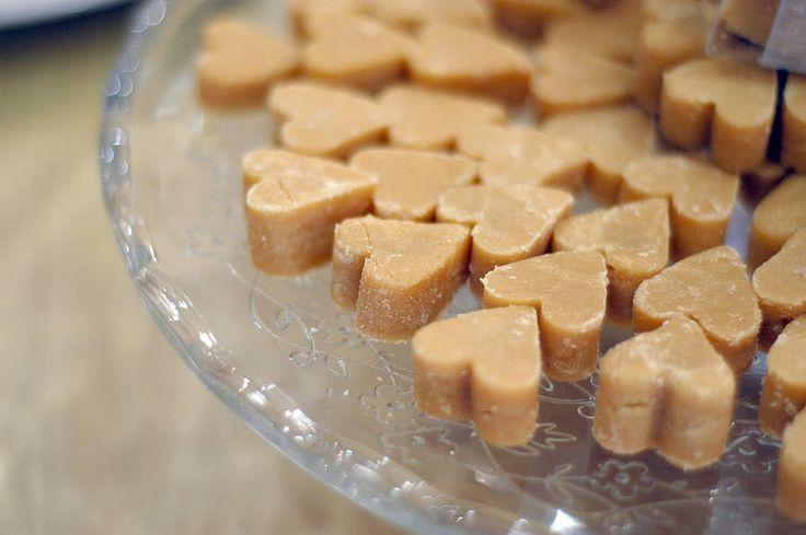 Scottish fudge heart wedding favours
