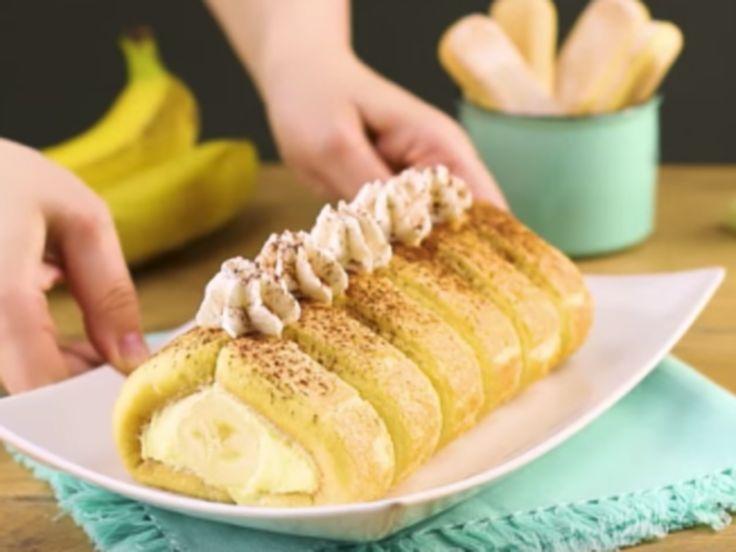 Deze pudding rol heeft geen hart van goud maar een hart van banaan. Deze pudding ziet er heerlijk uit en is eenvoudig te bereiden. Je hebt de volgende ingrediënten nodig: 600 ml melk, 12 lange vingers, 40 gr. suiker, 1 pakje puddingpoeder en 1 banaan. Voor de decoratie kan je nog slagroom en cacao poeder gebruiken om het geheel nog beter te presenteren op tafel. Zo maak je dit heerlijke toetje. 1. Dompel de lange vingers in 100 ml melk, leg ze tussen 2 laagjes huishoudfolie in 2 rijen naast…