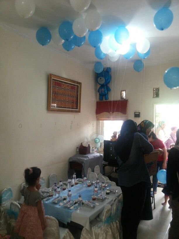 Table setting with balon decoration