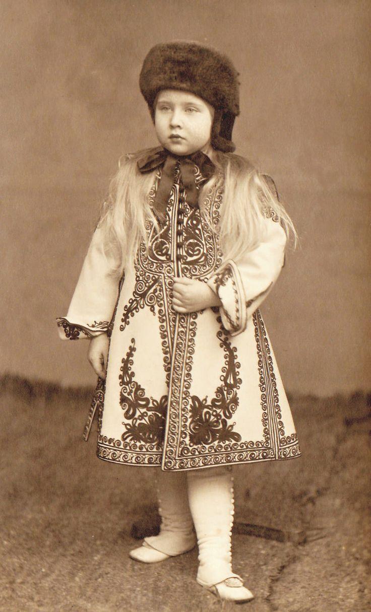 L'ancienne cour : Princess Mignon of Romania then Queen of...