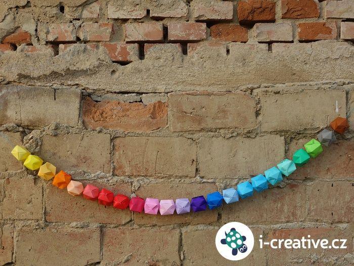 Návod jak vyrobit origami řetěz - girlandu na párty nebo narozeninovou oslavu
