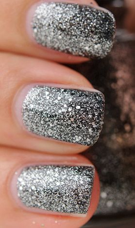 glittered nails so cute! Oh my. Next on my list of nailpoishes. Gotta rebuild my collection all over again!