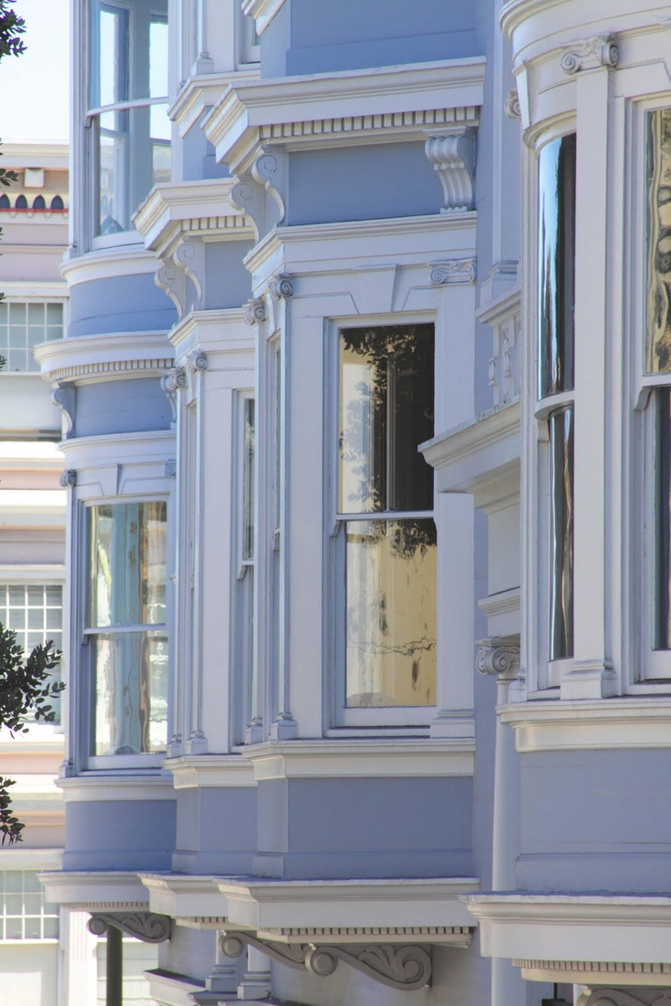 San Francisco Victorians are classic and I absolutely LOVE this color with the white!!!