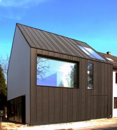 Bruno Vanbesien - House for Michelle and Johan, Vossem 2007. Via.