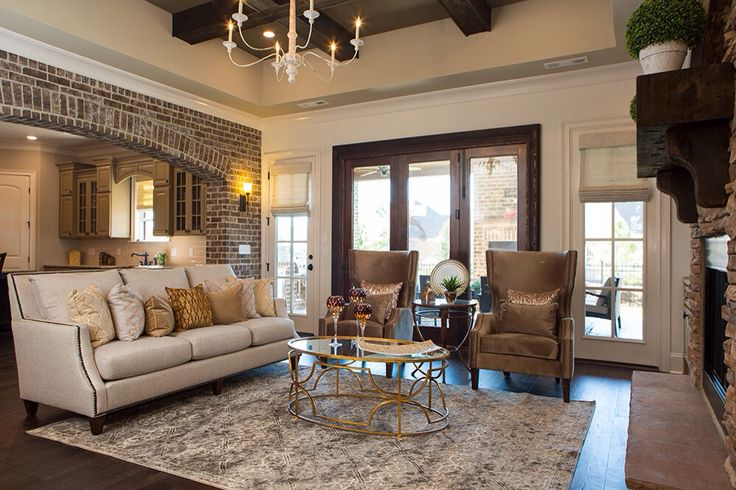 Sherwin williams shoji white 2015 parade of homes living for Sherwin williams living room ideas