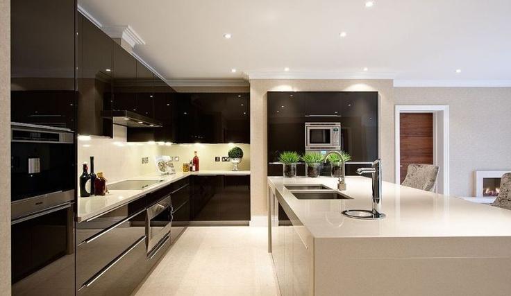 Extreme gloss kitchen