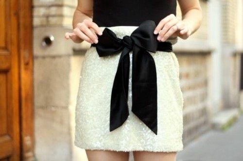 bowBlackandwhite, Fashion, Style, Black And White, Bows Skirts, Black Bows, Black White, Big Bows, White Skirts