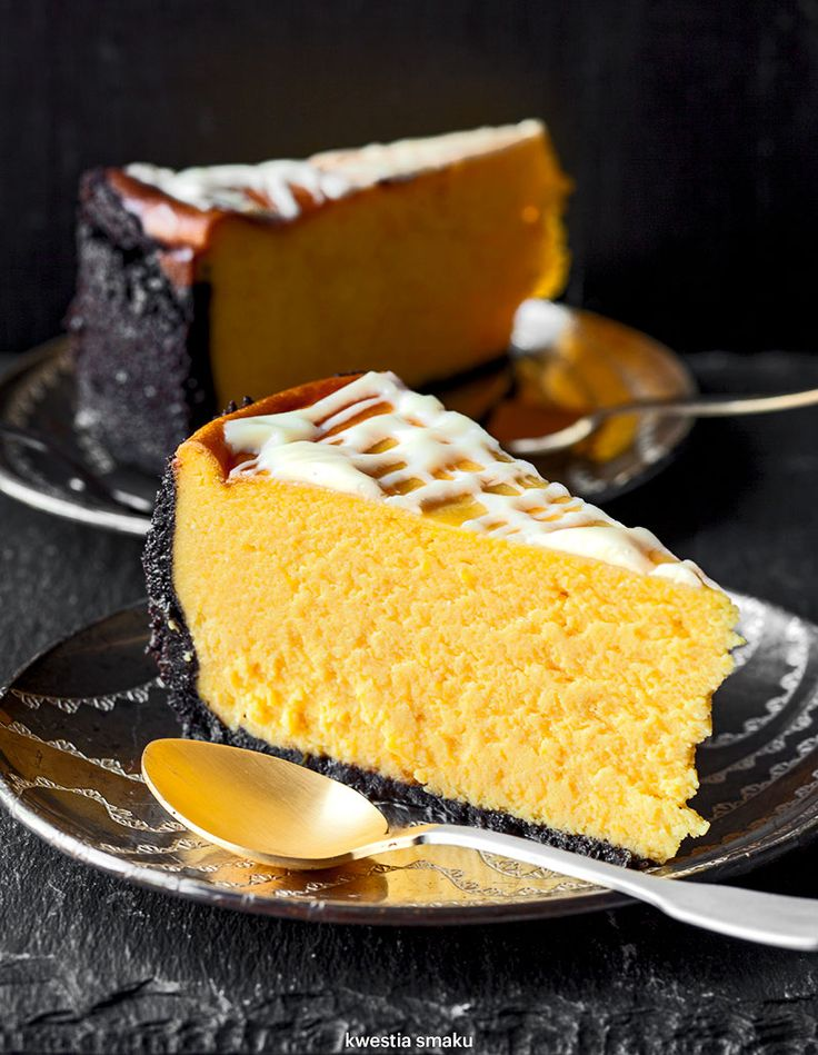 Oreo Crust Pumpkin Cheesecake