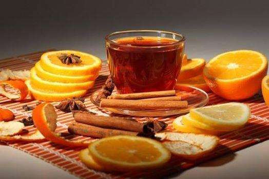23 рецепта вкусного чая  Глубокая осень - прекрасное время, чтобы укутаться в плед и пить вкусный чай. А можно пригласить друзей и удивить их необычными вкусами вместо привычного.   Чай с вишней и ванилью … Для продолжения нажмите на картинку...