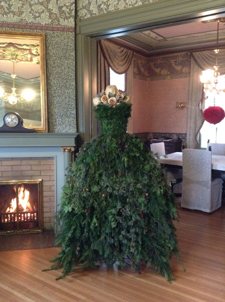 My Christmas Tree Gown For 2014