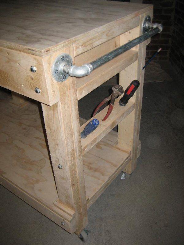 Here S A Diy Portable Garage Workbench On Wheels Garage Work