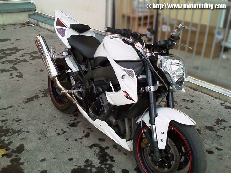 White Street - Moto Tuning.com