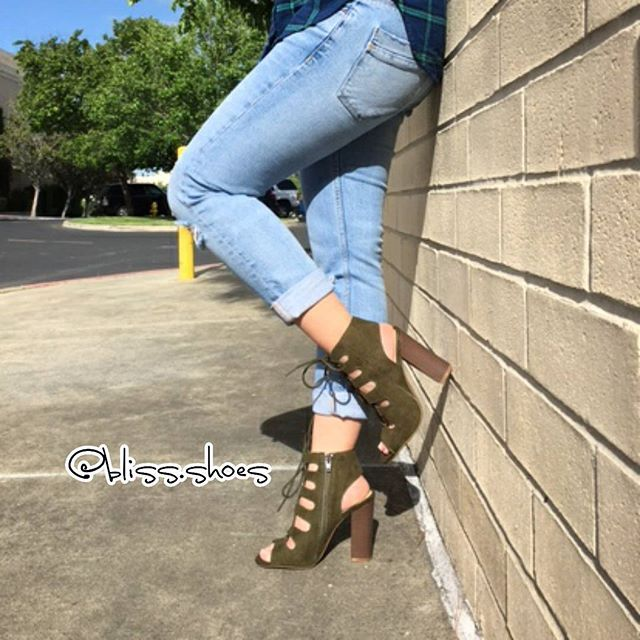 Kick up your heels for St. Patrick's Day!  Stop by and check out these cute new lace-up heels! These heels are perfect to go with any spring outfit! Available in olive, burgundy, black, tan, and beige! Get yours before they're gone! And remember to tag us in your pics!  #heels #bliss #fashion #fashionaddict #fashionista #shoeholic #fashionstyle #springfashion #springoutfit #cute #shoelover #shoeobsession #ootd #sotd #shoeheaven #bayarea #shoestagram #womensfashion