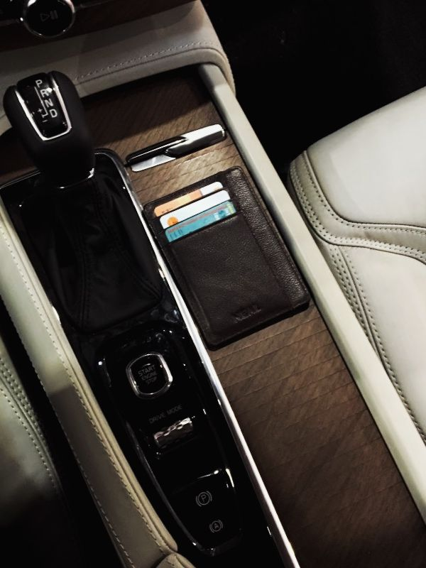 The best Slim Wallet that can fit perfectly in your pocket and in your car as well #SlimWallet #MinimalistWallet #FrontPocketWallet #LeatherWallet #GiftForHim #PerfectGift #Gear #LuxuryCar