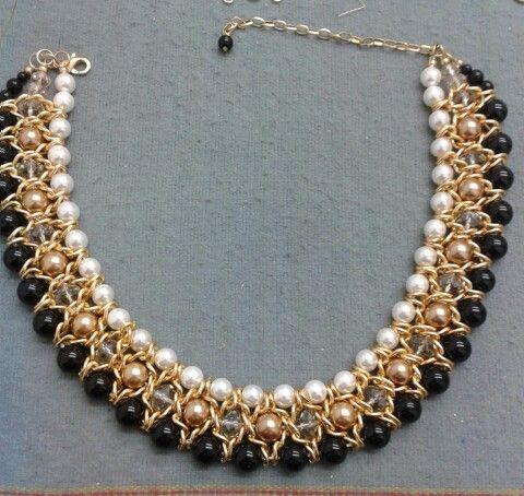 Collar onix, cristales y perlas