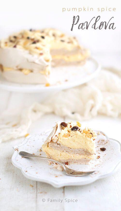 Pumpkin Spice Pavlova Cake with Pumpkin Whipped Cream