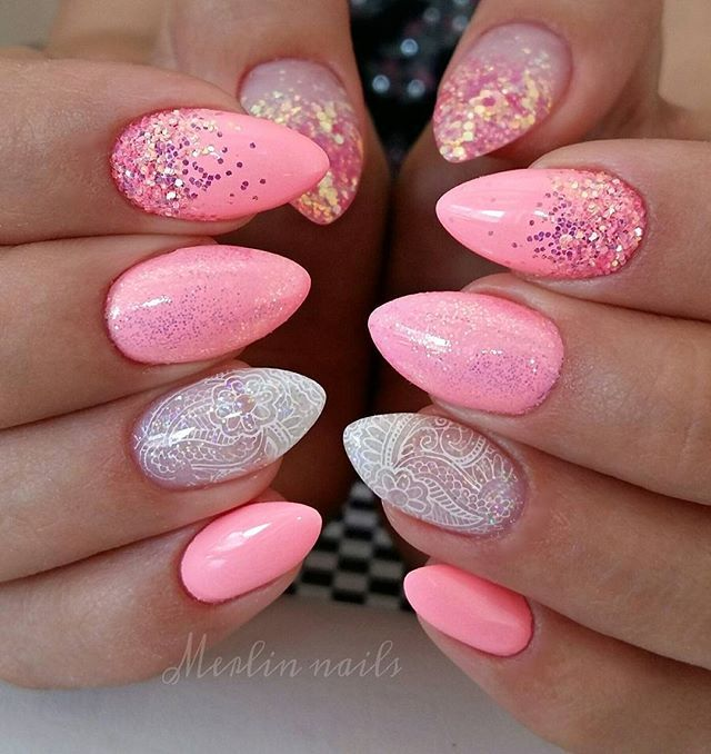 Instagram media merlin_nails - Royal 34 #crystalnails #gel #gelnails #nail #nails #nailstagram #nailsofinstagram  #notpolish #manicure #artnails #fashionnails #nailart #nailswag #instanails #nailporn #glitter #pinknails #nokti #sparkling #fashion #stylish #bling #brilliant #pointynails #pink