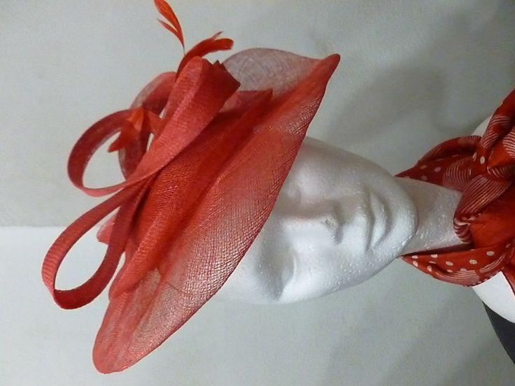 Bibi mariage plateau en sisal rouge corail : Chapeau, bonnet par lescrapoussines