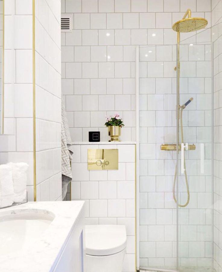 Ett litet badrum, men så lyxigt ändå! ☝️ hittad hos @truelsen