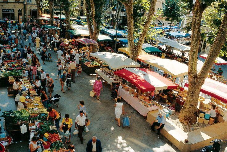Aix en Provence! Outdoor market. Love!