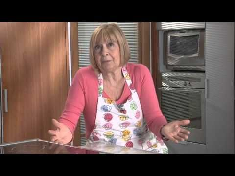 Trucchi Frolla - YouTube