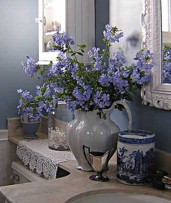 lovely blue and white bathroom