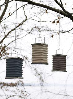 De hanglantaarns en tuinlantaarns op stok van Broste Copenhagen zijn ultieme sfeermakers. We geven je tips voor deze Broste hanglantaarns voor instant sfeer