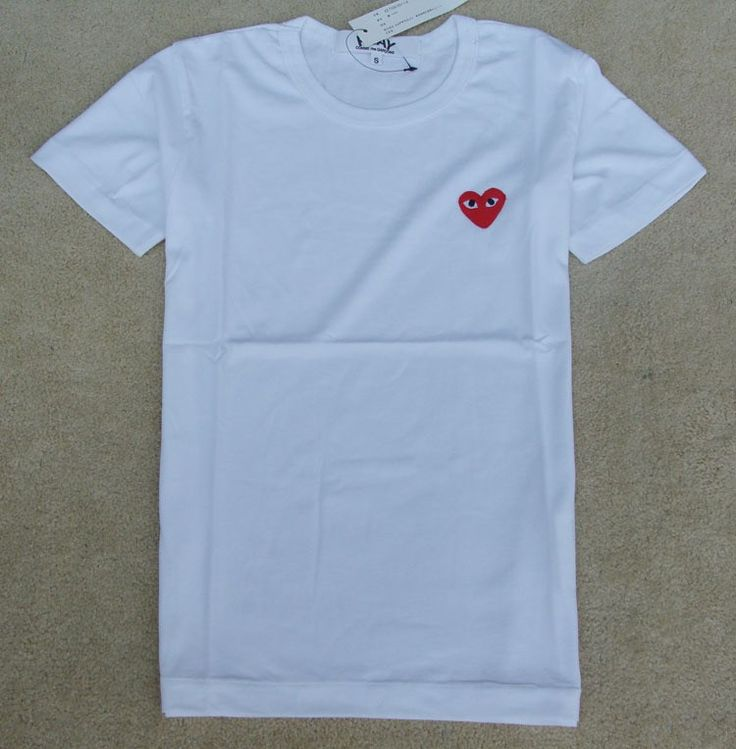 2015 New fashion Men Comme des garcons cdg play short sleeve white tshirt small red heart cotton T-shirt tops men colth material : cotton Remark : We have about more than 30 desige Cdg t shirt with same cotton soft material . You can check our shop for reference . Usuaully we will ship in […]