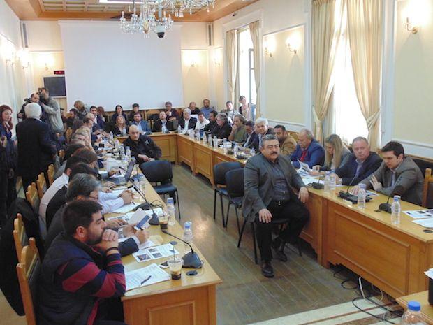 Εκπρόσωποι της Παγκρήτιας Συντονιστικής Επιτροπής Αγροτών παρέδωσαν ανακοίνωση για τον αγώνα τους στο Περιφερειακό Συμβούλιο Κρήτης