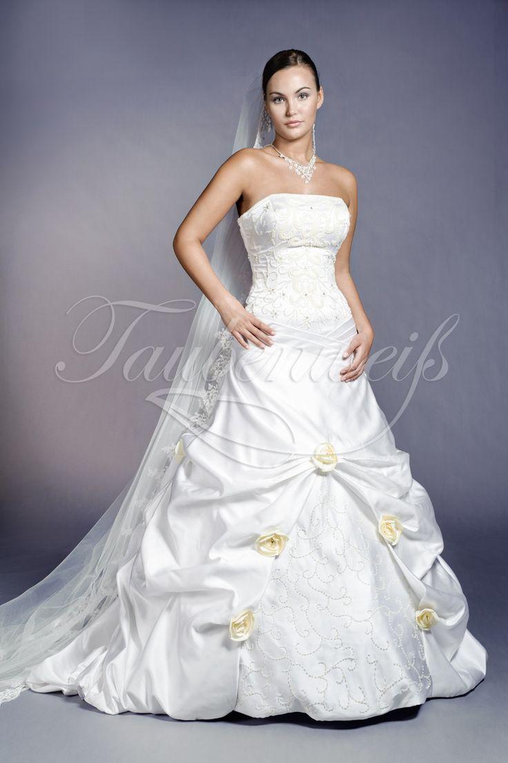 20 best Brautkleider Kollektion 2013 von Taubenweiß images on ...