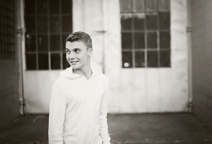 Downtown Senior Guy Pictures | Ashley Schmidt Photography