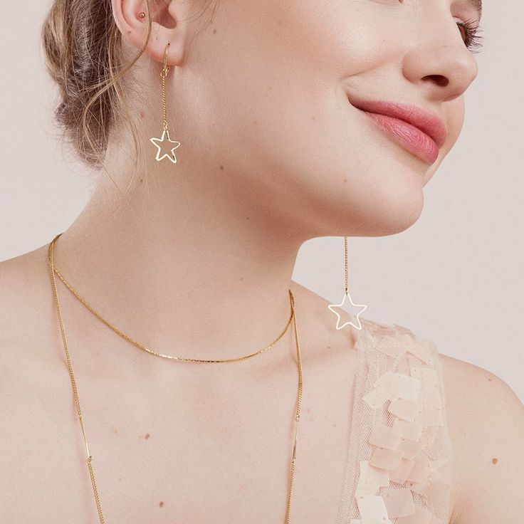 These asymmetrical star earrings are perfect! 🌟