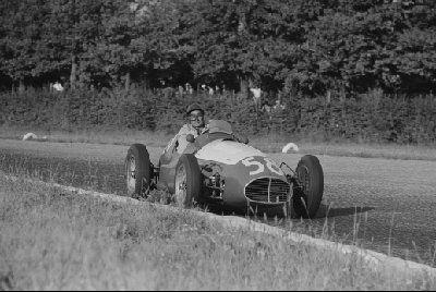 #58 Emmanuel de Graffenried (CH) - Maserati A6GCM (Maserati 6) engine (9) Privateer
