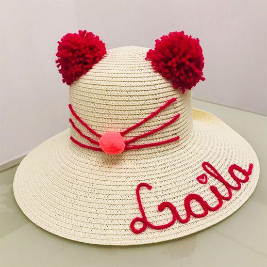 d48206e5a3914 Veja uma seleção de ideias de customização de chapéu de palha. Chapéu  customizado para menina com nome Laila